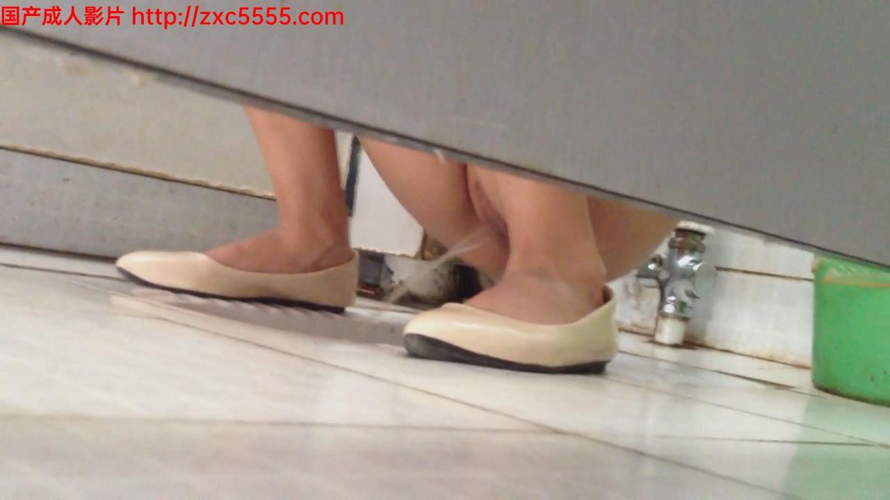 厕所 偷拍 白虎厕所 偷拍 白虎 01 共享mp4